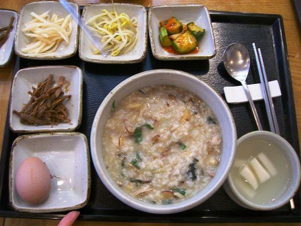 08午餐…人蔘雞粥.JPG