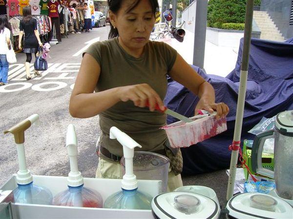 22賣冰沙的老闆娘.JPG