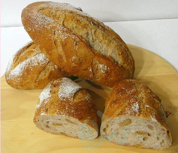 羅勒蜂蜜核桃麵包1