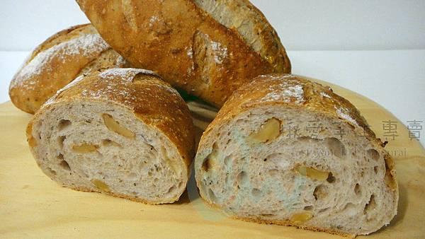 羅勒蜂蜜核桃麵包2