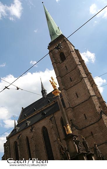 教堂與黑死病紀念碑