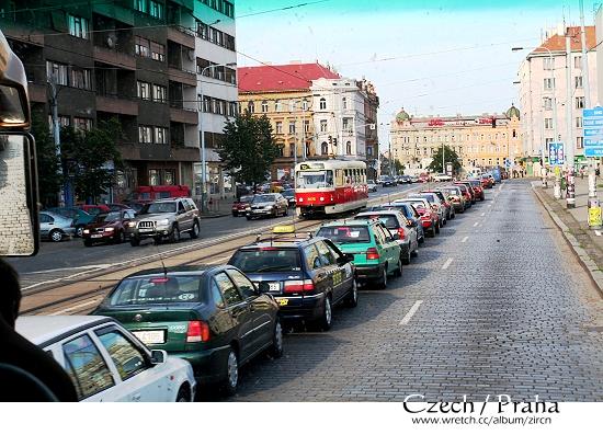 果然是大城市,人車就是多!