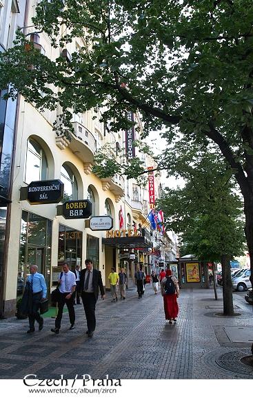 Ambassador Hotel外的街道