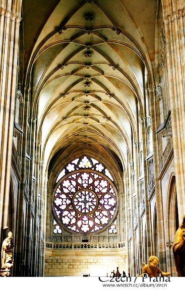 教堂內部一隅