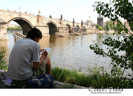 人與景就是一幅美麗的畫