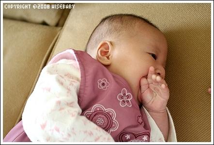 手手也吃的很好^^