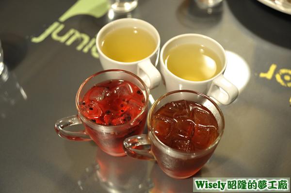 花草茶(冰)、紅茶(冰)、花草茶(熱)