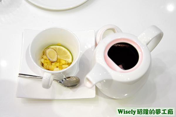木槿紅花頻果茶(熱)