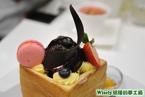 藍色莓樂蒂蜜糖吐司