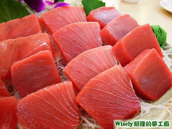 黑鮪魚(皮油)生魚片