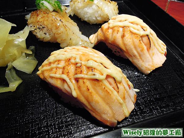 炙燒鮭魚握壽司