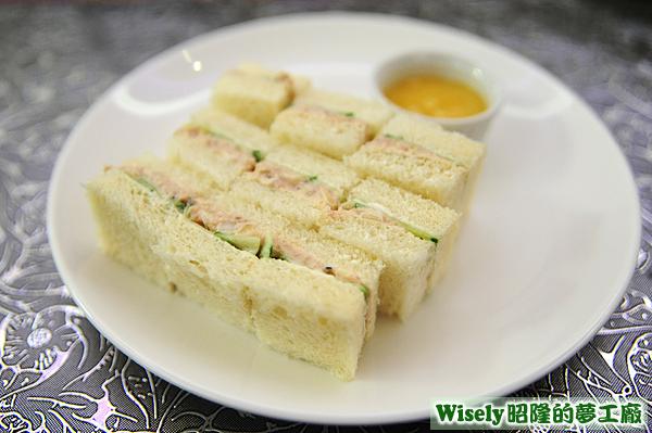 鮪魚沙拉三明治(檸檬蛋黃)