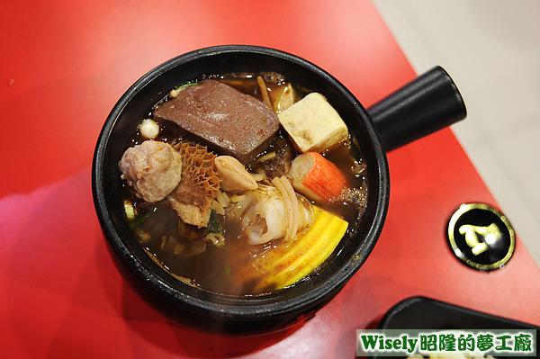 老先覺麻辣鍋