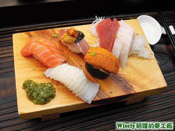 生魚片握壽司拼盤