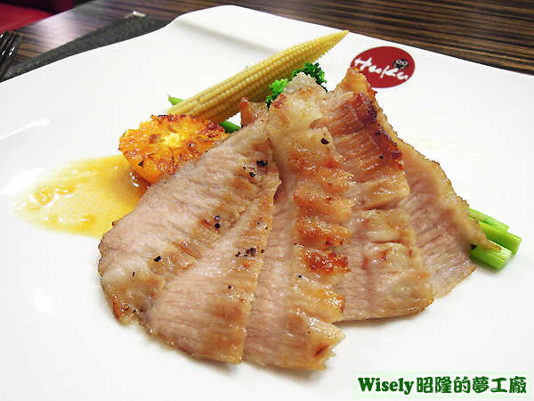 香煎焗烤松阪豬(香橙醬)