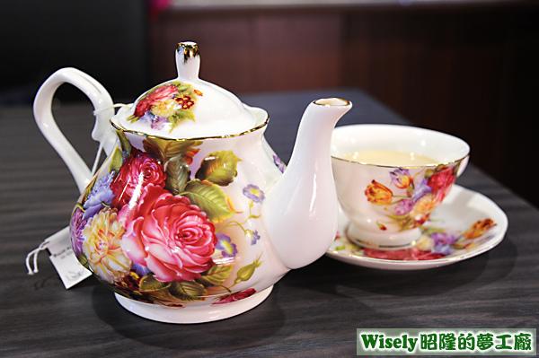 伯爵夫人奶茶(熱)