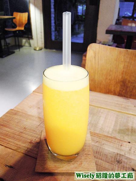 水蜜桃柳橙