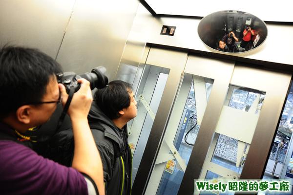 羽田機場電梯