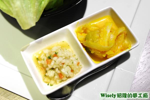 洋蔥丁、秘製手工黃金泡菜