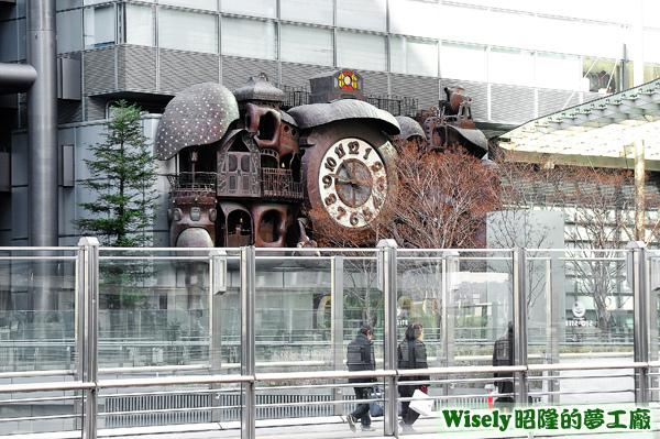 日本電視台大樓的宮崎駿的大時鐘