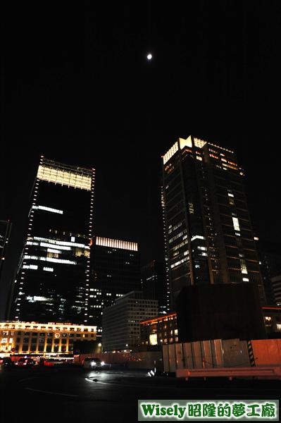 東京車站外夜景