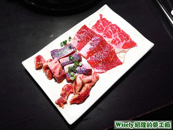 嚴選骰子牛、椒鹽牛肉、帶骨牛小排、霜降牛肉、特級沙朗