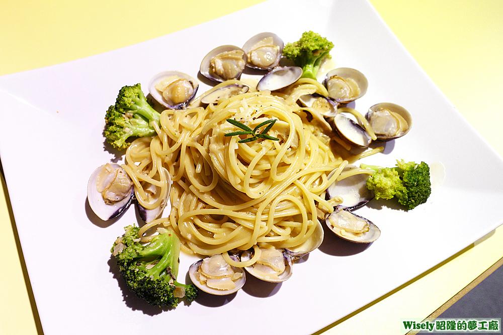 白醬鮮味蛤蜊義大利麵