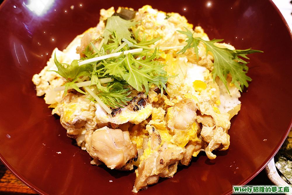 炭烤雞肉蛋蓋飯