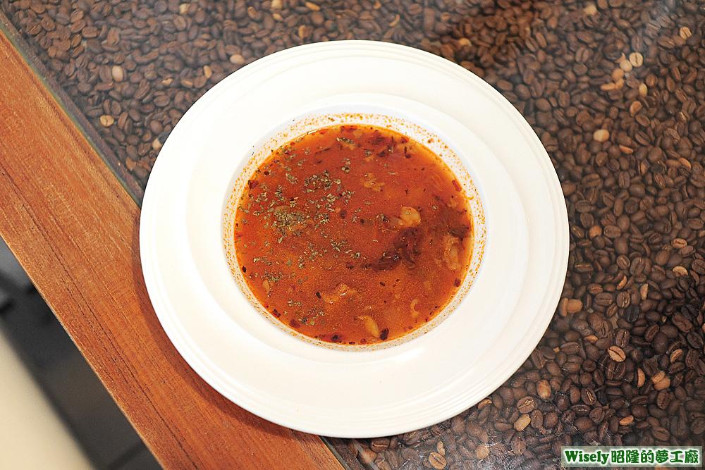 歐芹蕃茄蔬菜牛尾湯