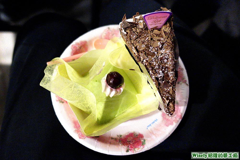 抹茶蛋糕、黑森林蛋糕