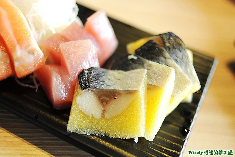鮪魚生魚片、尼信(黃金鯡魚)生魚片