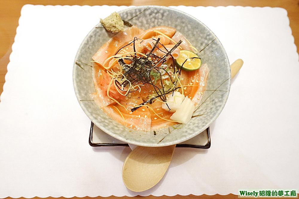 鮭魚親子丼飯