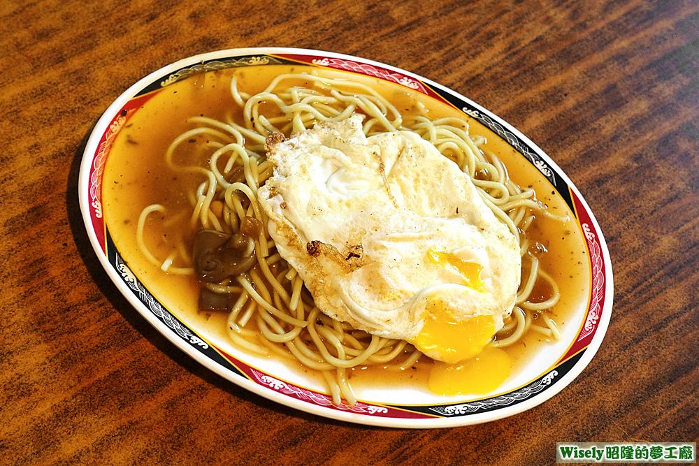 蘑菇鐵板麵(加蛋)