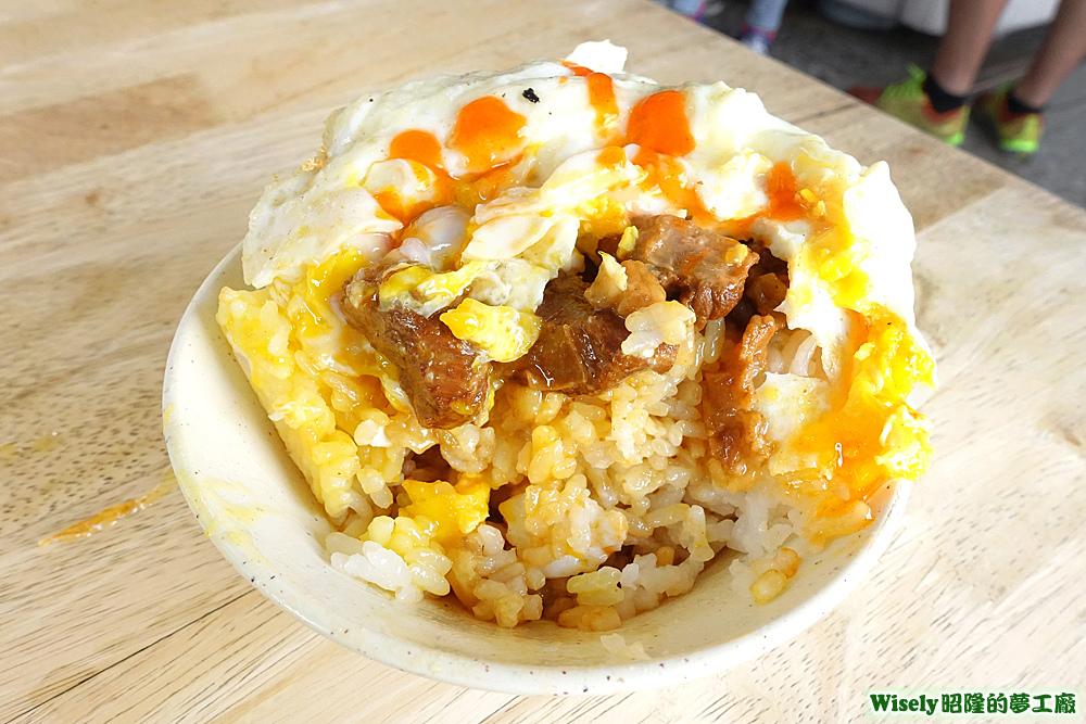 魯肉飯加荷包蛋