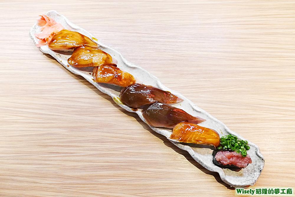 賴桑巨無霸招牌握壽司(旗魚/鮪魚/鮭魚/蔥花鮪魚軍艦)