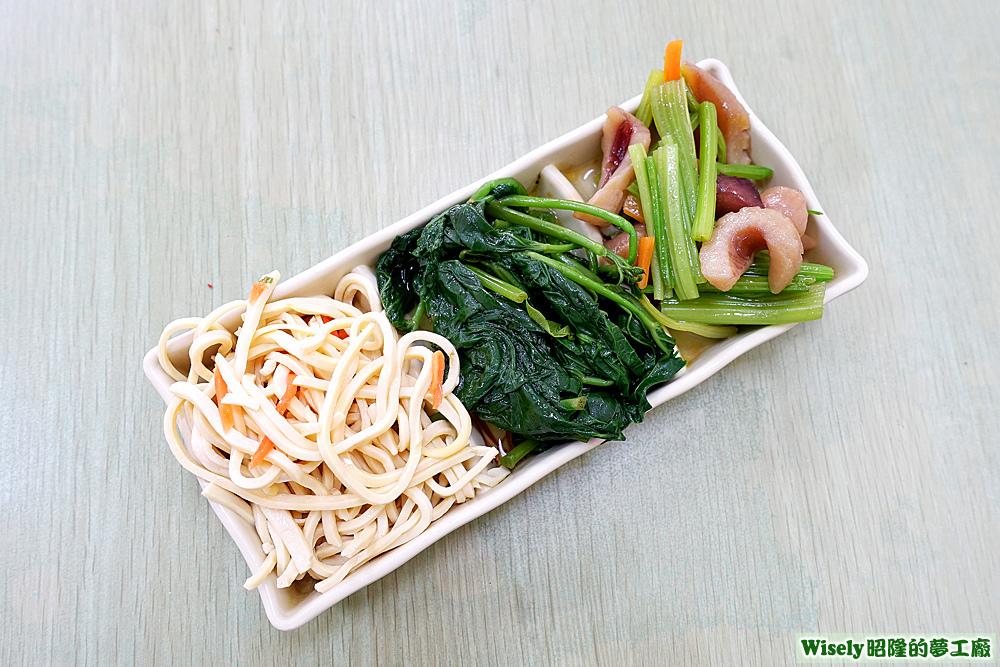 配菜(豆干絲/地瓜葉/西洋芹炒魷魚)