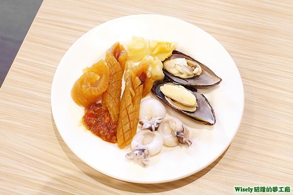 魷魚、花枝、淡菜等