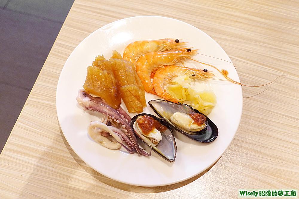 中卷、魷魚、淡菜、白蝦等