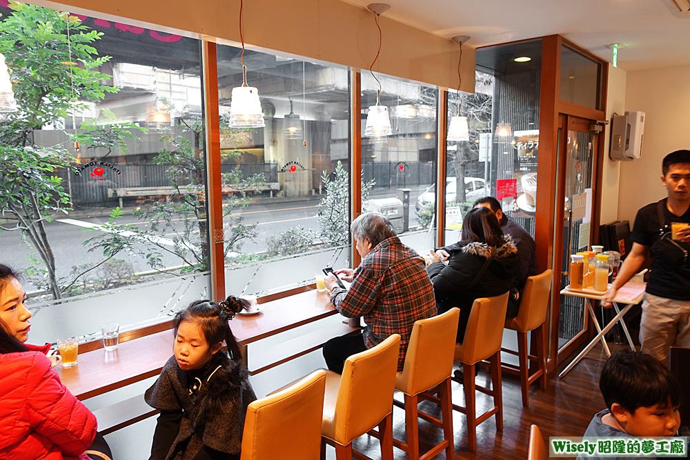 ITALIAN TOMATO Café Jr.店內佈置