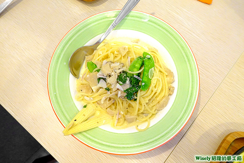 奶油野菇義大利麵