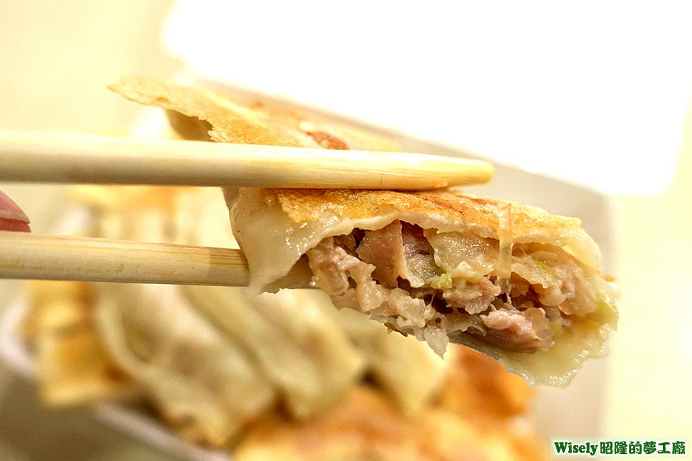 鮮肉高麗菜鍋貼