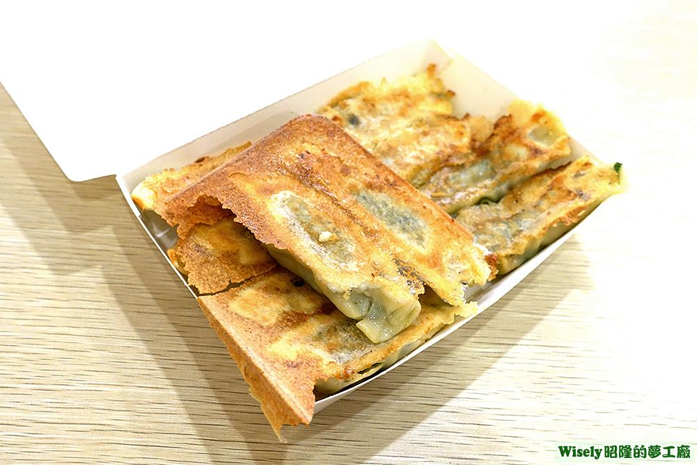 鮮肉韭菜鍋貼
