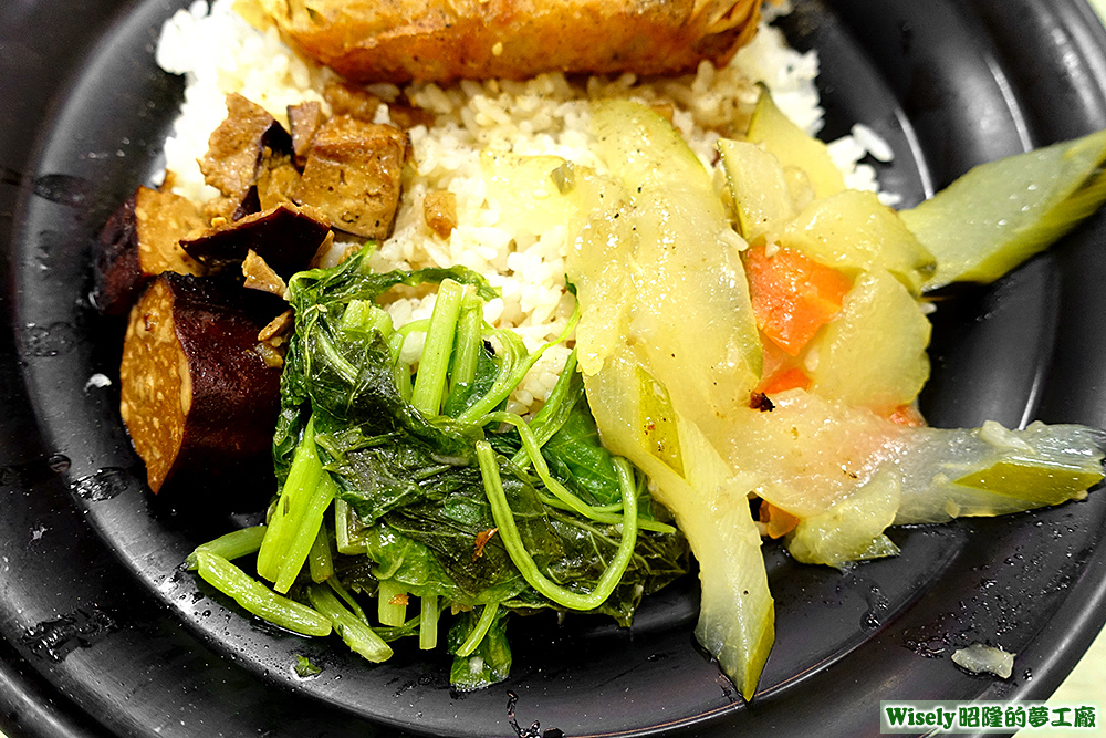 豆干、青菜、大黃瓜