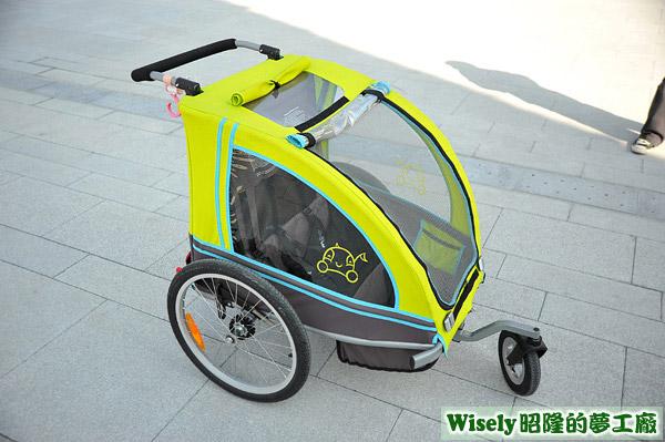 娃娃三輪車