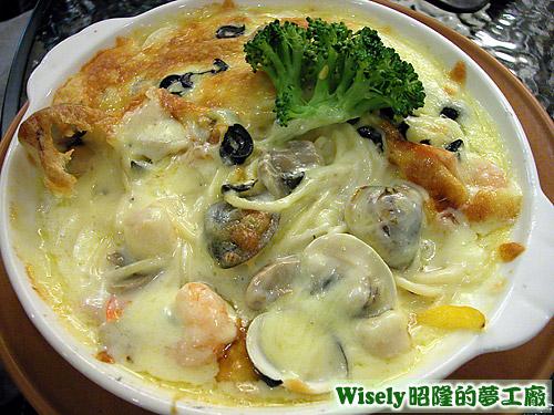 奶油海鮮焗麵