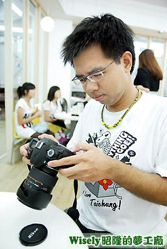 虎教練(Nikon D80)