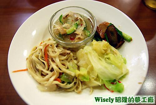 炒麵、炒青菜等