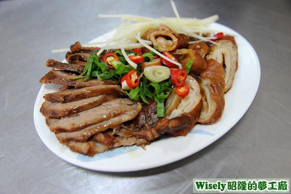 豬頰肉、滷大腸