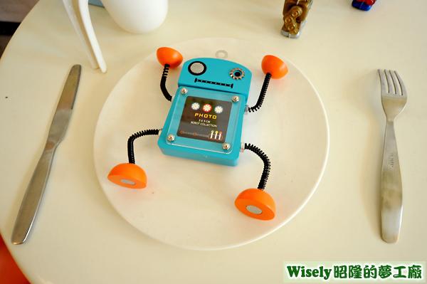 餐盤上的機器人