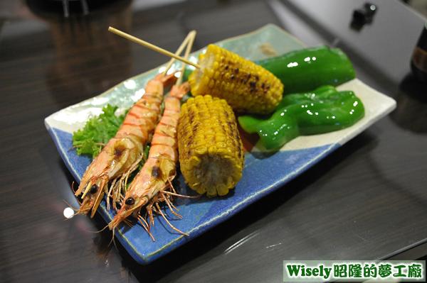 串燒拼盤(蝦/玉米/青椒)